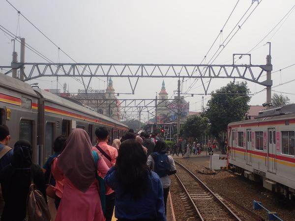 インドネシア ジャカルタ ボゴール駅到着