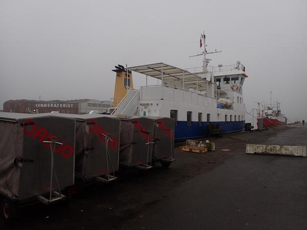 Skarø島へ行くフェリー