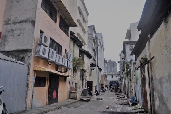 路地裏はまだ発展途上の色を残す、マレーシア・クアラルンプール
